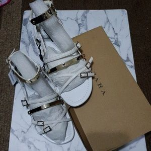 Zara white w/ gold accent gladiator sandals